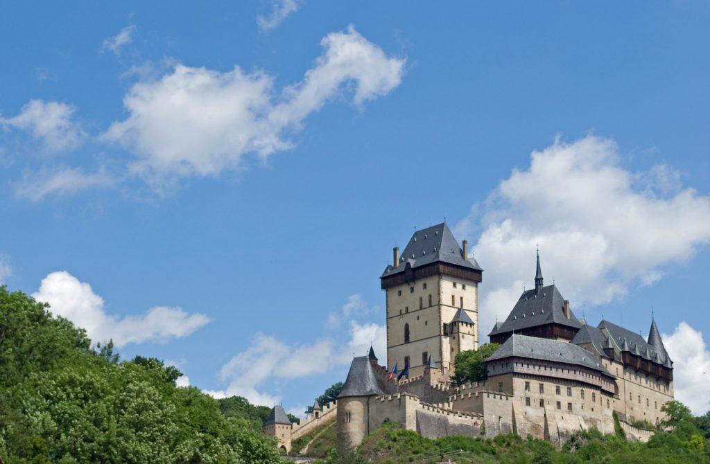 Замки Чехии Фото с названиями расположение на карте адреса история