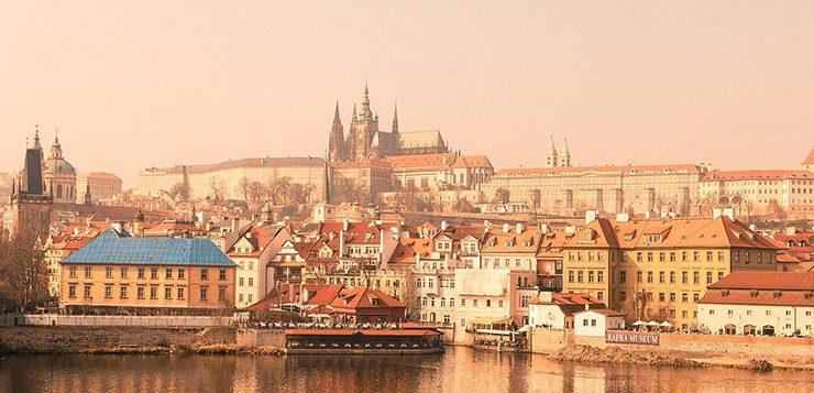 Как получить гражданство Чехии