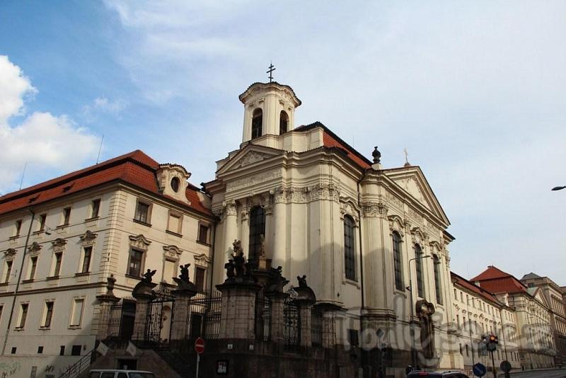 Кафедральный собор Святых Кирилла и Мефодия в Праге